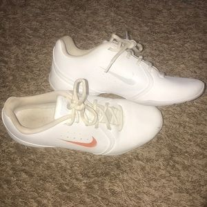 Nike cheer shoes